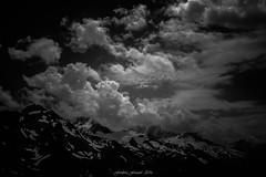 Nuages de Lumire (Frdric Fossard) Tags: lumire ombre contraste grain atmosphre dramatique montagne nature paysage neige nv orage alpes hautesavoie massifdumontblanc france glacier moraine flancdemontagne noiretblanc