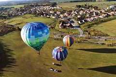 Unusual experience of a wonderful flight  in a hot air balloon (nicolas-7878) Tags: nikonpassion lens1855 flight ombres ballons franchecomté france fiels naturaldaylight lighting outsider outdoor exterieur photography d5500 nikond5500 nikon paysage landscape city ville trois balloonflirt hotairballoon montgolfières color flickr unusual inhabituel experience vole passion