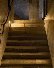 Stairs and light (Paco CT) Tags: church construccion construction elementoconstructivo escalera escenario iglesia inside interior toulousebasiliquesaintsernin indoor place scenary staircase stairs structure toulouse hautegaronne france fra pacoct 2016