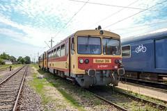 BZmot306 H-START Eger 05.08.10 (Paul David Smith (Widnes Road)) Tags: bzmot mav eger hungary railway railcar