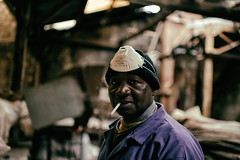 Mister Moussa, Factoryworker III (johann walter bantz) Tags: working hard old factory usine worker color moussa 93 banlieue parisienne france europe documentary photography social reportage everyday nikon d4s 35mm f14 portrait eyes humain being bokeh