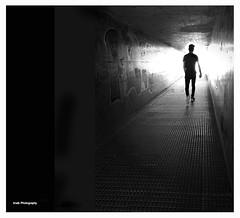 Salida (Imati) Tags: tunel hombre contraluz luz oscuridad