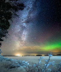 Milkyway chasing (Kuutti Heikkil) Tags: milky way aurora borealis stars night sky long exposure winter snow rovaniemi lappi lapland finland suomi
