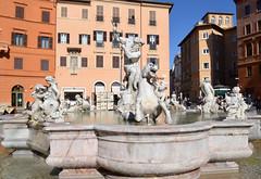 Piazza Navona : la fontaine de Neptune (CpaKmoi) Tags: rome roma italia place piazza neptune fontana fontaine italie navona nettuno