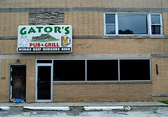 Gator's Pub & Grill (Cragin Spring) Tags: beer sign bar illinois wings pub midwest beef gators grill il wheeling piwo milwaukeeave wheelingillinois wheelingil