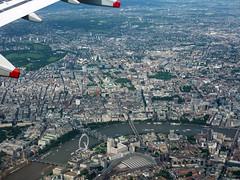 London From Above - United Kingdom (Andrea Moscato) Tags: above city uk england sky eye water thames plane river airplane view aircraft cielo vista londra citt inghilterra tamigi aeroplano regnouniti andreamoscato