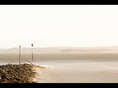 'Walk Back For One Last Shot' (Lee|Ratters) Tags: seascape wales port canon long exposure coastal burry 135l 5dmk2