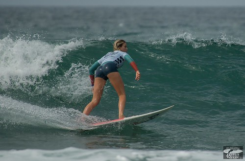 9c0ce4f5be1854 Pro Women s Surf Girl Goddesses   The Vans US Open Huntington Beach ...