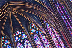 sainte-chapelle ... ile de la cit, paris (ana_lee_smith) Tags: travel windows paris france tourism church glass lens photography chapel stained beercan restoration eglise saintechapelle iledelacite louisix consecrated 1248 floortoceiling analeesmith minoltaaf70210mm sonyslta33