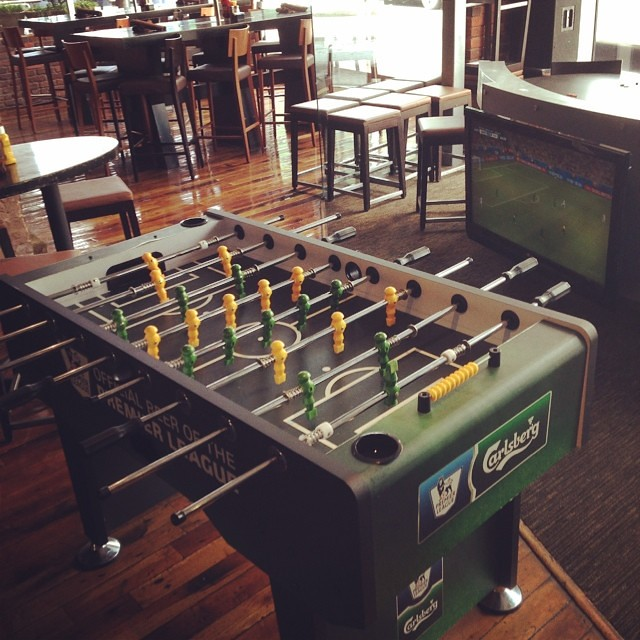 Saw this Carlsberg branded foosball table using their #EPL IP at a sports bar yesterday. #sportsbiz