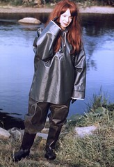 fishing.jpg (Rubberdiana) Tags: boots latex waders rainwear raingear rubberfetish gummifetisch rubberwear gummianzug regenkleidung watstiefel gummikleidung rubberboote