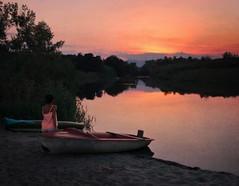 Blowin in The Wind - Bob Dylan ( Montse;-))) Tags: bobdylan carl momentos reflejos puestadesol sunset rincn barca woman mujer