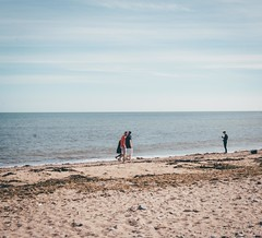 (Lim Amira) Tags: stonehaven aberdeen aberdeenshire scotland uk landscape adobelightroom postthepeople beach people sun colours serene calm lush warmth warm canon canon750d