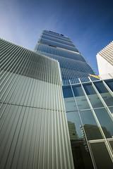 Torre Allianz (Deivid82) Tags: milano milan blue blu azul vetro cristal italia italy skyscraper grattacielo rascacielo architettura architecture arquitectura
