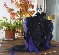 disney designer fairytale maleficent doll (pupuceplus) Tags: disney disneydolls disneydesignerfairytaledolls disneyfairytaledesignerdolls disneydesignermaleficentdoll dolls poupes