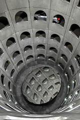 Lyon - Puits central du parking des Célestins. (Gilles Daligand) Tags: lyon rhone parking celestins lpa silo puitscentral circulaire rampe interieur geometrique graphisme leica q