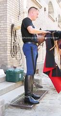 "bootsservice 07 8827 (bootsservice) Tags: armée army uniforme uniformes uniform uniforms cavalerie cavalry cavalier cavaliers rider riders cheval chevaux horse horses bottes boots ""riding boots"" weston eperons spurs gants gloves gendarme gendarmerie militaire military ""garde républicaine"" paris"