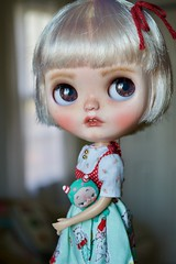 Dark Eyes for Hattie (Chassy Cat) Tags: simplyvanilla blythe chassycat custom customized customizer fbl simply vanilla doll blonde teeth takara plasticfashion plastic fashion puppelina bebebababies eyechips