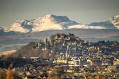 Stirling Castle (Daniel Tetstall) Tags: stc a chroin ben vorlich mountains stirling castle winter sun scotland photography west snow history scotspirit