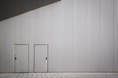 Grey - Gris (MartinBenito) Tags: newtopographics urbanphotography fotografaurbana arquitectura architecture doos puertas building edicfico fachada facade