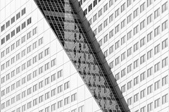 Geometric Rotterdam (frank_w_aus_l) Tags: rotterdam abstract bw monochrome diagonal dutchangle netherlands windows reflection 7020028 d7000 zuidholland niederlande nl