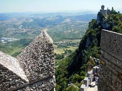 20130812_045 Repubblica San Marino (Frabjous Daze) Tags: mountain sanmarino monte threetowers vuori repubblicasanmarino montetitano dellaguaita ensimminentorni kolmetornia