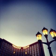 Las. Vegas.