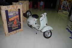 Piaggio Vespa 50 a Pedali (TAPS91) Tags: mostra vespa 50 mercato piaggio pedali francese storica