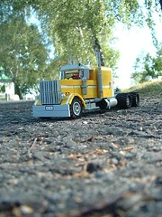 Peterbilt 379 (pitrek02) Tags: old lego american peterbilt