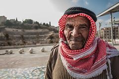 Mil arrugas y una sonrisa (ccmartin) Tags: portrait people wadirum petra amman jordan retratos dailylife aqaba jordania mercados madaba