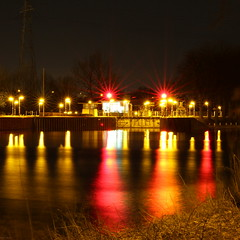 100mm Lightshow (@noutyboy (Instagram)) Tags: longexposure red holland macro reflection netherlands colors night canon stars eos prime lights canal is cool europe utrecht nightshot nacht nederland thenetherlands 100mm le l 28 kanaal february lightshow rood f28 nieuwegein sluis 30seconds februari 550 2014 reflectie sterren nout 550d canon100mm28lismacro eos550d noutyboy