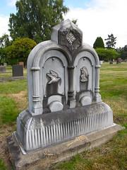 lake view (seattle, wa) (DeadManTalking) Tags: seattle cemetery washington kingcounty lakeviewcemetery whitebronze deadmantalking louisechristkautz