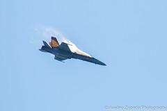 CF-18 Hornet Demo Sharp Leveling (Avelino Zepeda) Tags: canadianinternationalairshow canadianairshow torontoairshow cias toronto harbourfront cf18 cf188 rcaf royalcanadianairforce canadianairforce cf18demoteam cf18demo canadianf18 f18 hornet