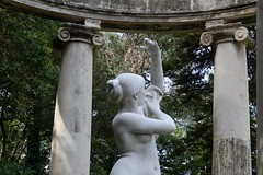 SUSANNA AL BANY (1896), de THOPHILE EUGNE VICTOR BARRAU (Yeagov C) Tags: 2016 barcelona catalunya susannaalbany templet 1896 1970 thophileeugnevictorbarrau thophilebarrau joaquimcasamor jardinsdejoanmaragall jardinsjoanmaragall montjuc