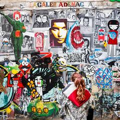 La noia i el mural ---  The girl and the wall (Miquel Lleix Mora [NotPRO]) Tags: barcelona catalunya espaa es street miquel lleix grafitti mural art