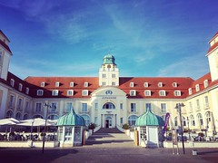 .morning sun. (zonenfred) Tags: instagramapp square squareformat iphoneography uploaded:by=instagram amaro kurhaus binz ruegen rügen urlaub sommer summer2016 bluesky sunnyday