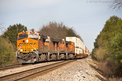 BNSF Q-TCSMEM2-10 at Marion, AR (KD Rail Photography) Tags: bnsf burlingtonnorthernsantafe ge generalelectric gevo arkansas farmcountry fallcolors fallmorning fallseason es44c4 d944cw intermodal intermodaltransportation doublestack container mississippirivervalley trains railroads transportation diesellocomotive diesel
