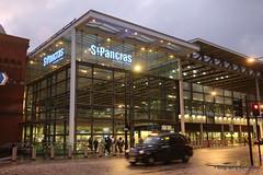139. St Pancras station, London. 10-Sept-16. Ref-D123-P139 (paulfuller128) Tags: london uk england kings cross station st pancras