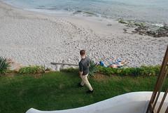 colpo di fulmine (giuseppecozzolino1) Tags: mare sea boy girl spiaggia sabbia sand lungomare bagnasciuga orme footsteps