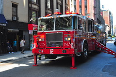FDNY Tower Ladder 12 (Triborough) Tags: nyc newyorkcity ny newyork manhattan firetruck midtown fireengine ladder fdny seagrave newyorkcounty towerladder newyorkcityfiredepartment ladder12 towerladder12
