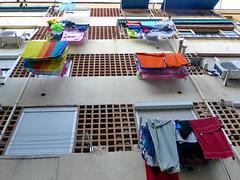 Roba estesa BCN 05 (Miquel Lleix Mora [NotPRO]) Tags: laundry clothesline linge ropa colada pannistesi tendal ropatendida hanginglaundry bugada sundrying washingday robaestesa dewas wapperendewasjes