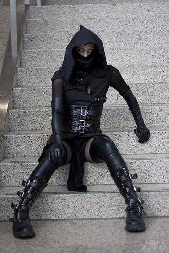 black costume cosplay ninja goth videogame mortalkombat combatboots 2013 noobsaibot comikaze vision:outdoor=0974 nikitafoxx