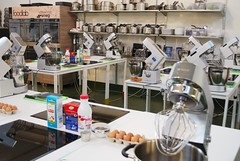"Laboratorio Accademia FoodLab (15) • <a style=""font-size:0.8em;"" href=""https://www.flickr.com/photos/36569379@N08/11169222253/"" target=""_blank"">View on Flickr</a>"
