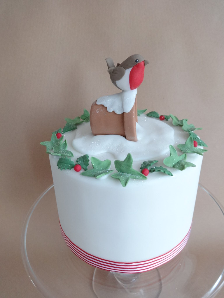 Christmas Cake Ideas Robin : The World s Best Photos by Julia Hardy Cakes - Flickr Hive ...