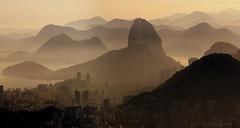 DESLUMBRANTE    #RioDeJaneiro #Rio450Years #Rio2016 #Rio450anos (  Claudio Lara ) Tags: brazil rio brasil riodejaneiro claudiolara copabacana sunsetinrio brasll brazll praiasdorio rio2016 clcclc clcrio clcbr amanhecernorio claudiol clccam claudiorio atraesdorio carnivalbyclaudio arcosdalapabyclaudio santateresabyclaudio carnavalbyclaudio vistachinesabyclaudio rio450 vbistachinesa rio450anos vistachinesabyclaiudio flickrbyclaudio lapabyclaudio rlodejaneiro rlodejanelro claudiobatman ciadedorio sunrisainrio braekingdawninrio parambulando