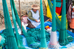 ....Colors of Peru... fishnets (geolis06) Tags: geolis06 prou peru 2016 amriquedusud southamerica paucartambo portrait indien indian olympusem5 olympussouth americapaucartamboportraitindienindianmarketmarchstreet capture omed em5olympus m1240mm f28 america streetportrait street market march