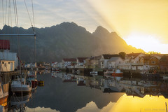 Mine is the sunlight (OR_U) Tags: 2016 oru norway lofoten henningsvær harbour morning sunrise mountain reflection sea water mirror village boats ships houses catstevens calmness sunlight sun