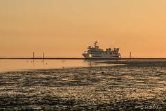 Fähre nach Wangerooge (Re Ca) Tags: nordsee norddeutschland natur nature harlesiel buhne wattenmeer niedersachsen sunrise sonnenaufgang eos70d wangerooge sigma105mm