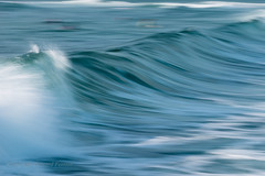 Flow (Howard Ferrier) Tags: oceania spray blur australia motionblur waves seq blue ocean sunshinecoast happyvalley motion photography water pacificocean sea crest caloundra aquamarine queensland