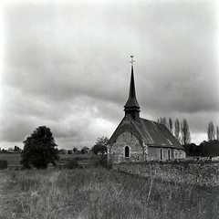 Eglise de Courdemanche (Philippe_28 (maintenant sur ipernity)) Tags: zeiss ikon ikoflex iii fomapan 120 analog argentique medium moyen format tlr